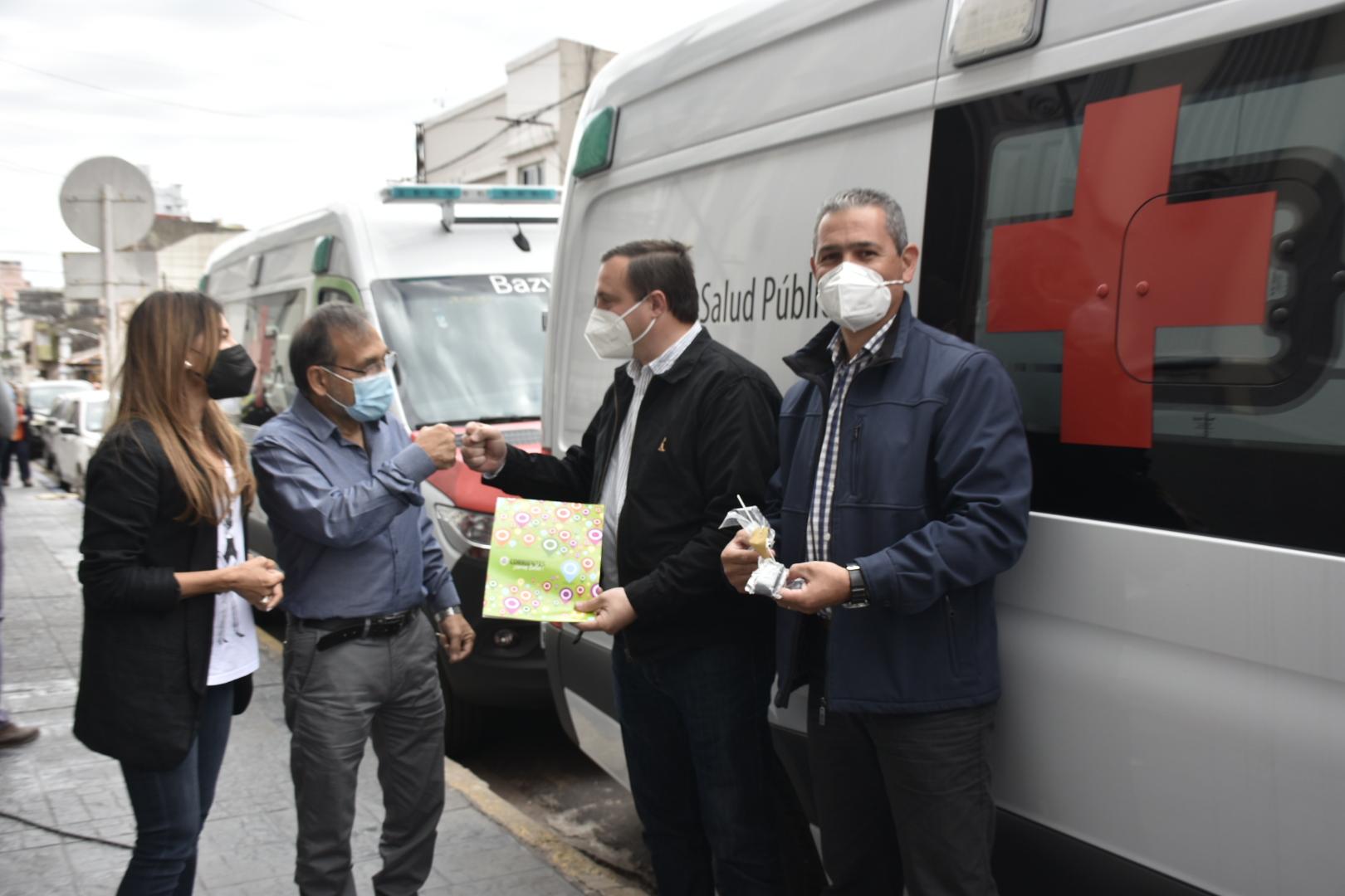 Cardozo entregó ambulancias para Paso de la Patria y Colonia Carolina