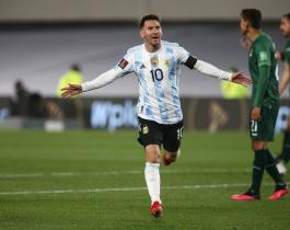 Pelé felicitó a Messi por su récord de goles con la Argentina