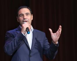 Gustavo Valdés volvió a liderar el ranking de gobernadores en todo el país