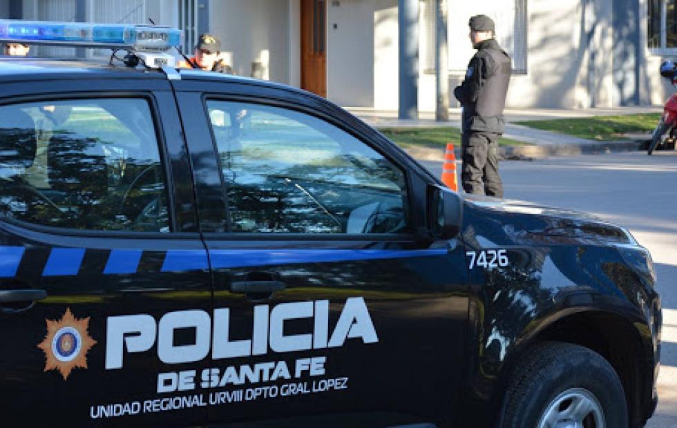 Allanan una comisaría en Rosario y detienen a seis policías acusados de fraguar actas