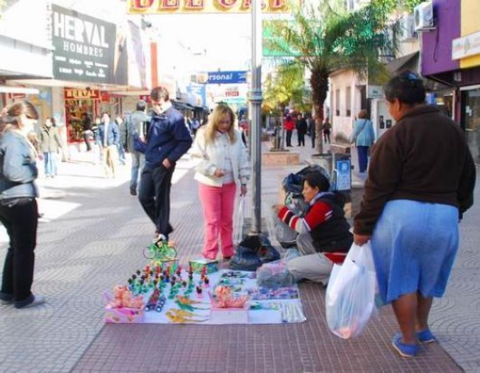 vendedora ambulante peatonal.jpg