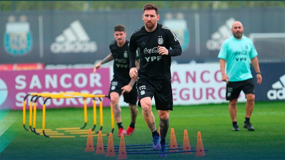 messi entrenando con la seleccion argentina oct 2021 eliminatorias.jpg