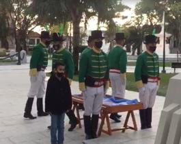La historia de Álvaro, el niño que acompañó a los Cazadores Correntinos a izar la bandera