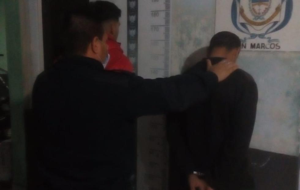Corrientes: robaron un celular, intentaron venderlo por Facebook y fueron detenidos