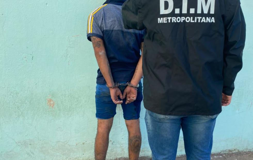 Detuvieron a un joven con dos pedidos de captura en Corrientes