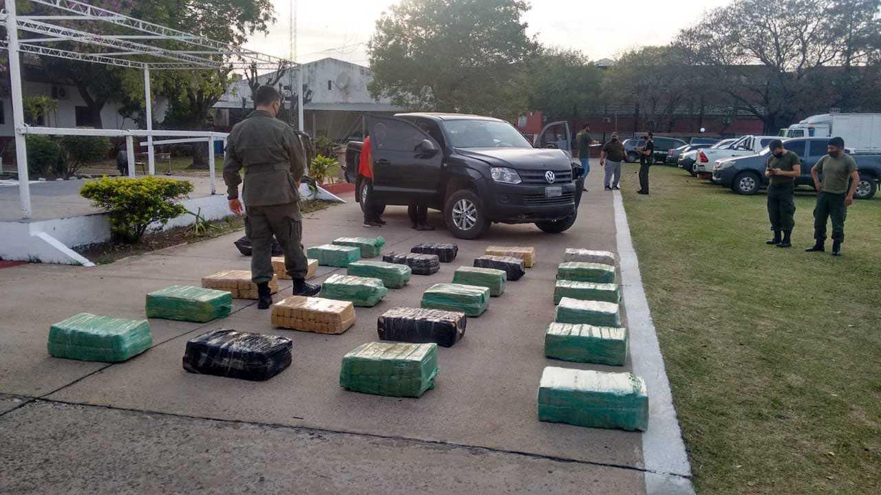 Intentó huir con cargamento de 536 kilos de marihuana en su camioneta