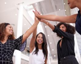 Estados Unidos y un momento histórico: nace el primer banco fundado y operado por mujeres
