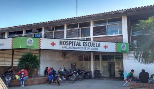Corrientes: un inspector terminó internado tras ser agredido por un motociclista
