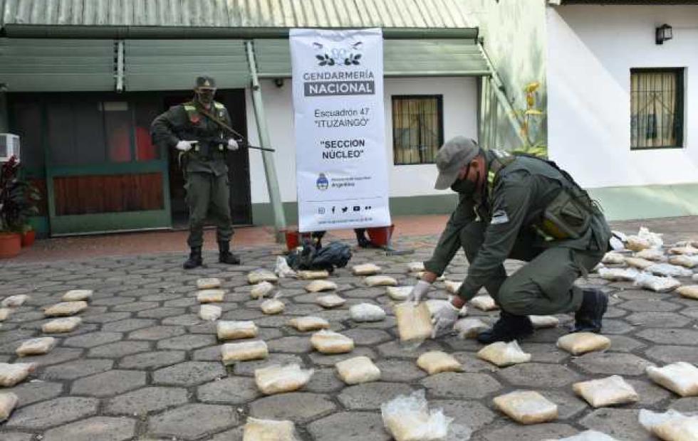 Hallan más de 175 kilos de droga ocultos en una grúa en Corrientes