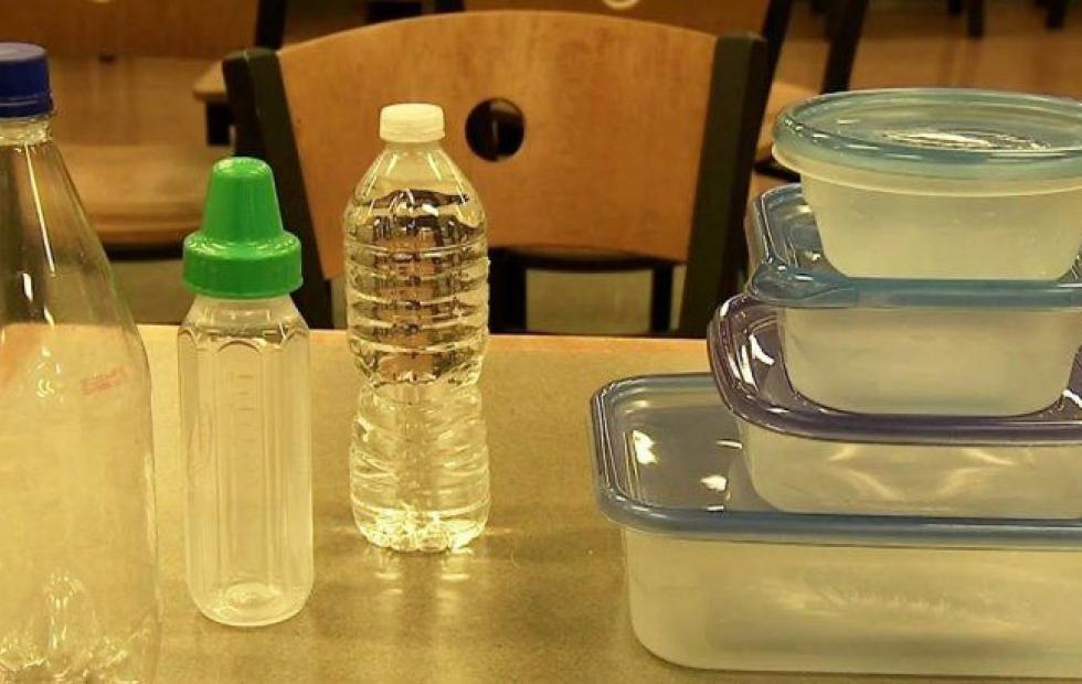 Un químico que se usa para fabricar recipientes plásticos podría causar 100 mil muertes anuales