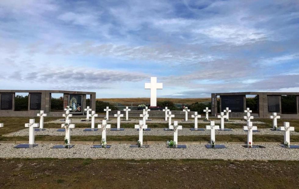 Identificaron los restos de un correntino héroe de Malvinas en el Cementerio de Darwin
