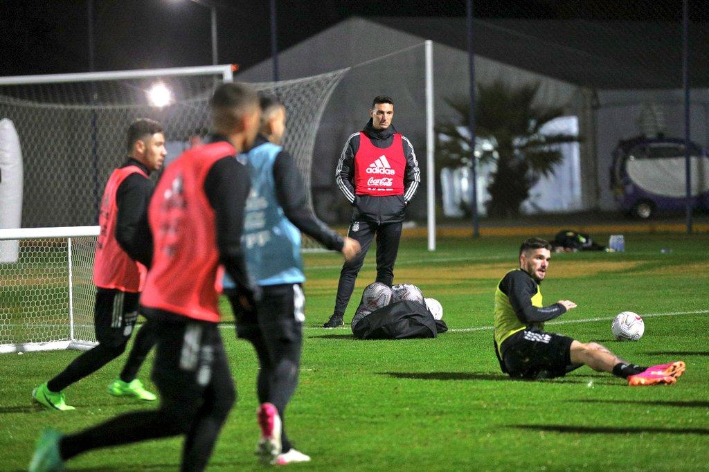 argentina entrenamiento ezeiza copa america 2021 4 scaloni.jpg