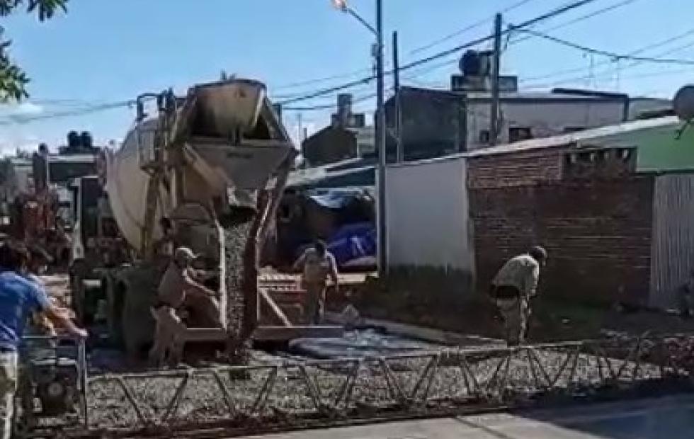Corrientes: el Gobierno pavimenta 16 cuadras del barrio Juan de Vera