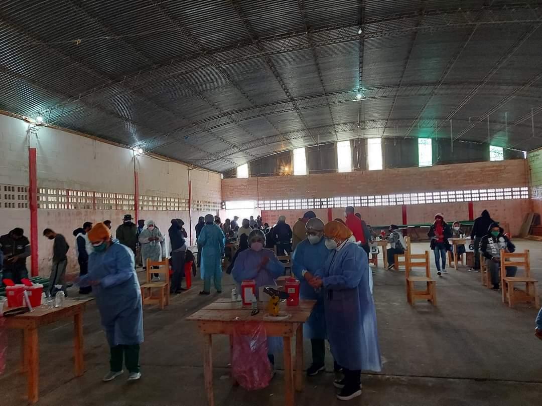 Salud aplicó 1.500 vacunas Covid-19 en San Isidro